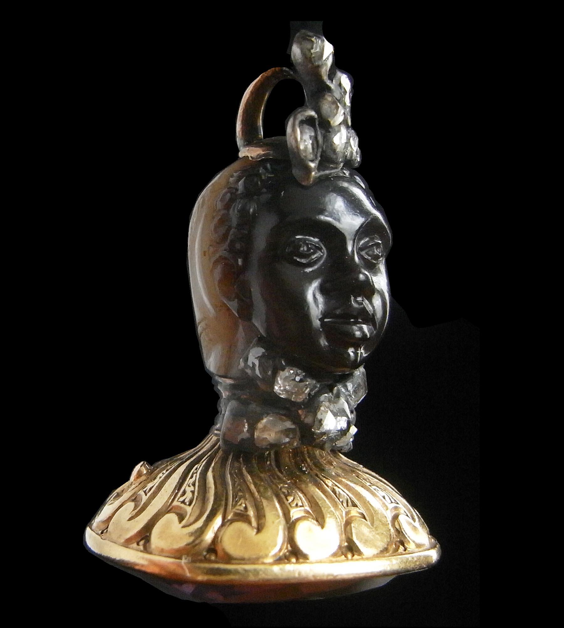 侯爵紋章付ムーアのアンティークカメオジュエリー