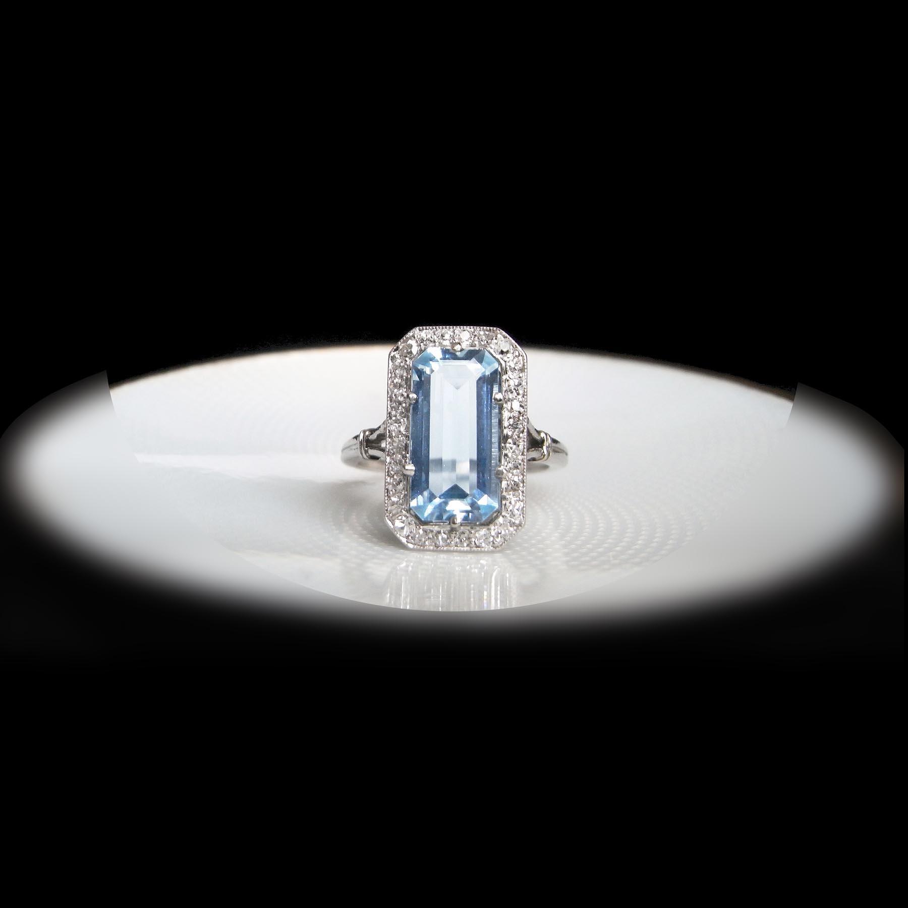 アクアマリンのアンティークジュエリー指輪