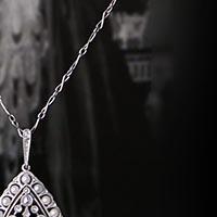 ヴェヴェール作の天然真珠ペンダント