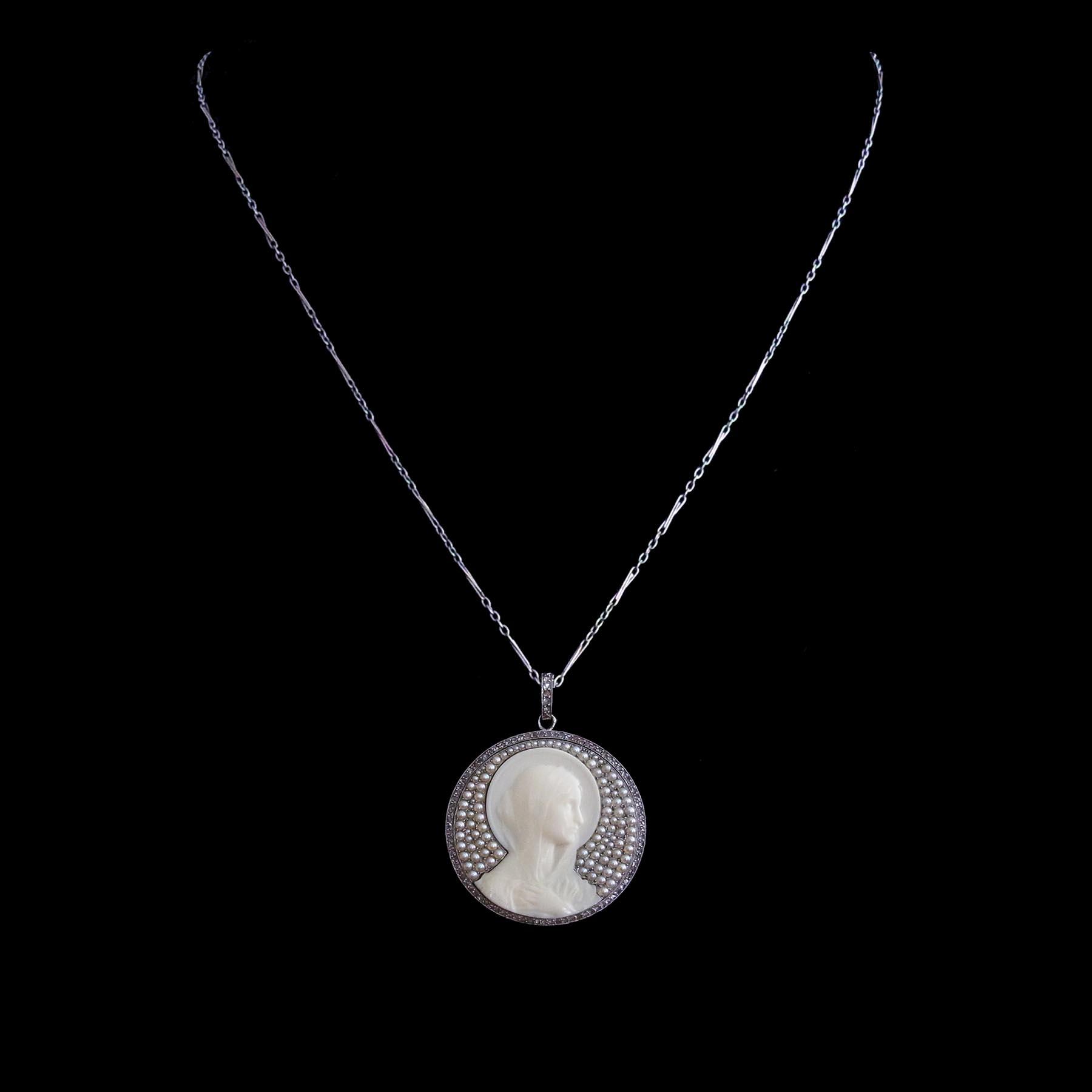 マリア像 ダイヤモンドと天然真珠のアンティークジュエリー