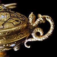 香炉型18金彫金エナメルのアンティークペンダント