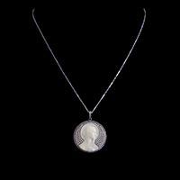 マリア像カメオ プラチナ ダイヤモンドと天然真珠のアンティークペンダント