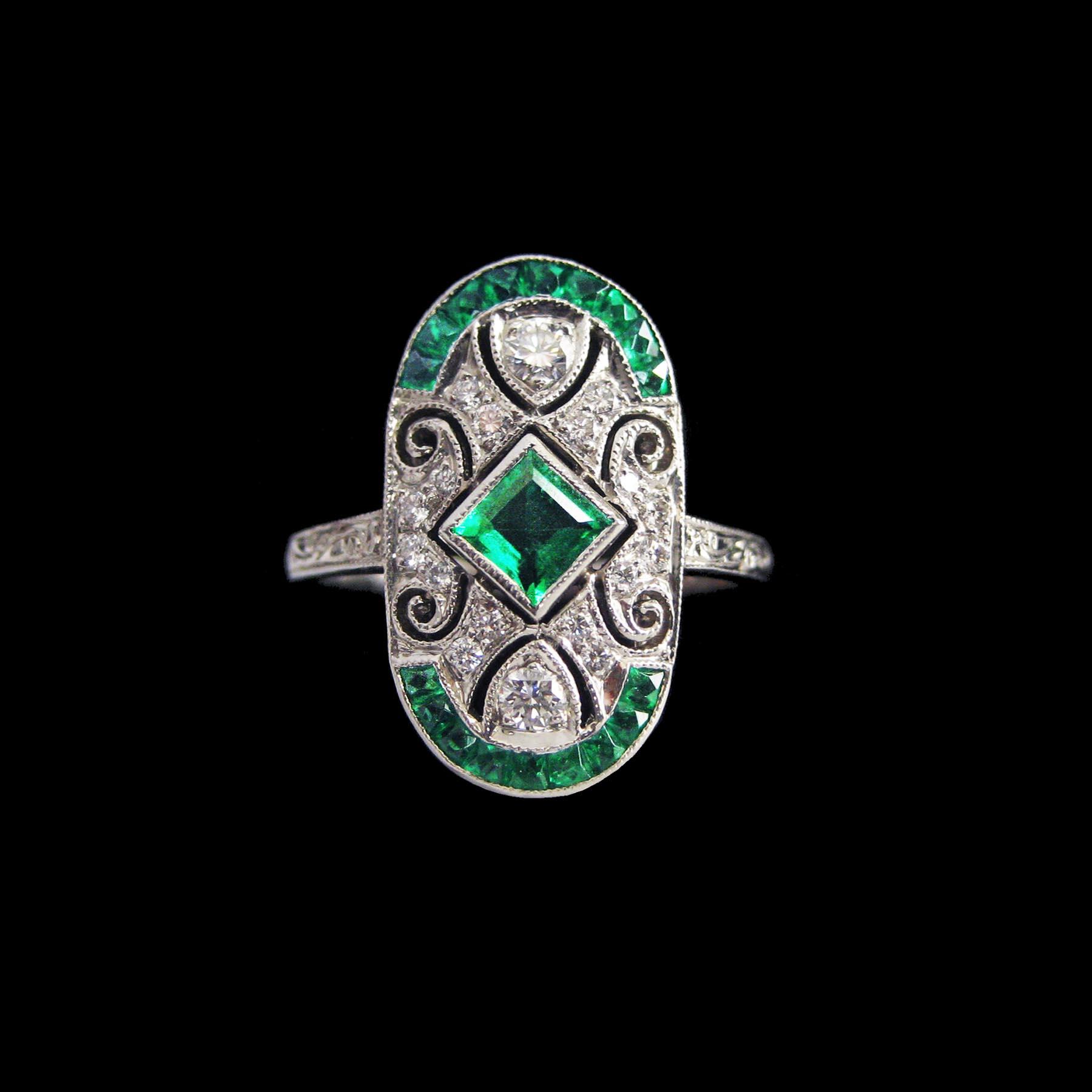 エメラルド ダイヤモンド ヴァンクリフ&アーペル 透かし彫金プラチナアンティークリング